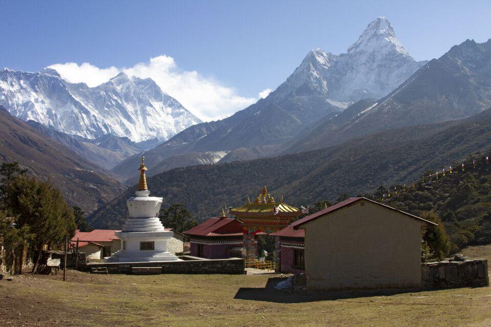 Kloster Tengboche mit Ama Dablam (6812m) im Hintergrund