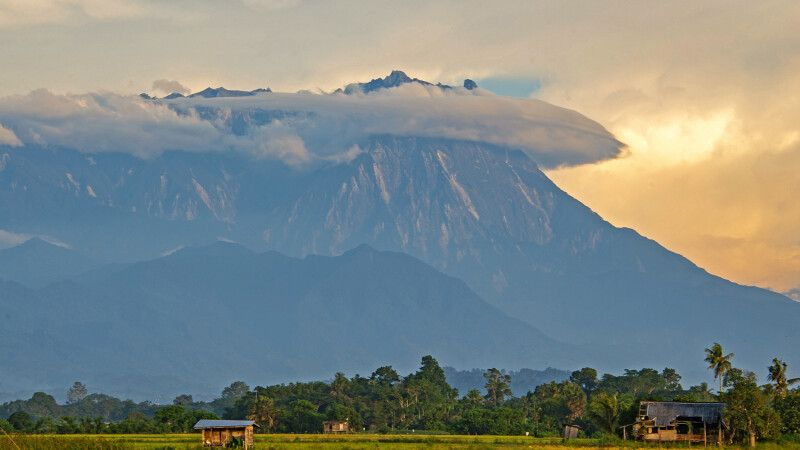 Mount Kinabalu im Dämmerlicht © Diamir