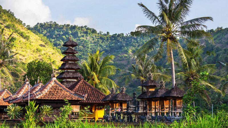 Tempel in Bali © Diamir