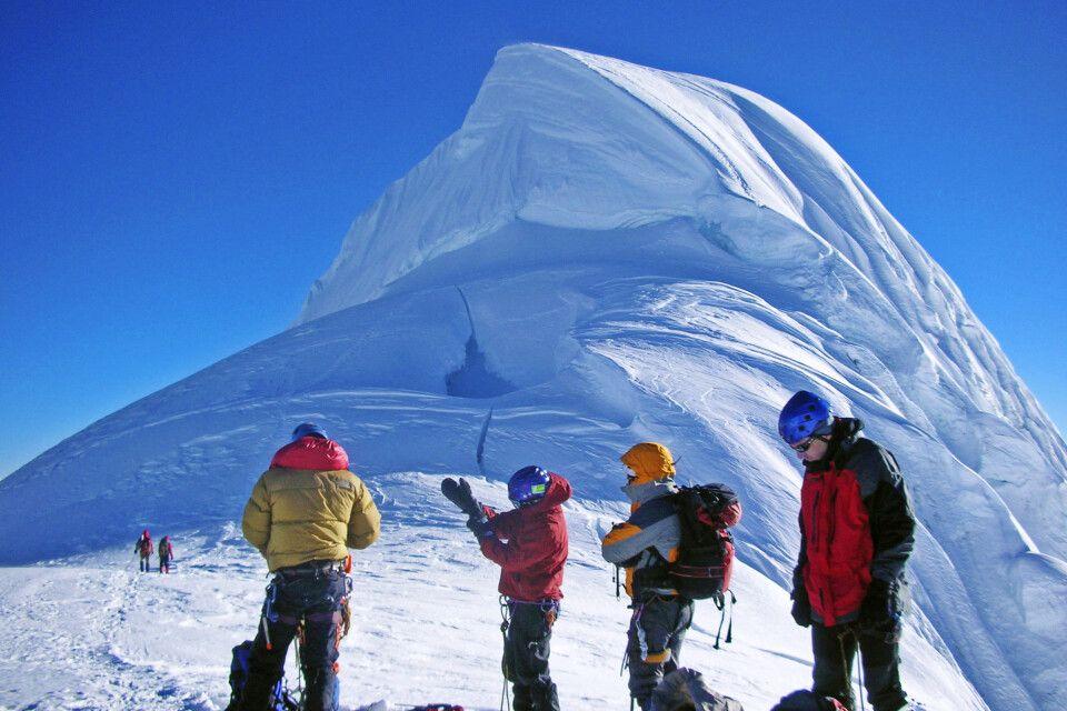 Die mächtige Gipfelwächte des Chopicalqui