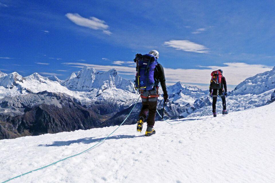 Fantastisches Panorama bei der Besteigung des Chopicalqui