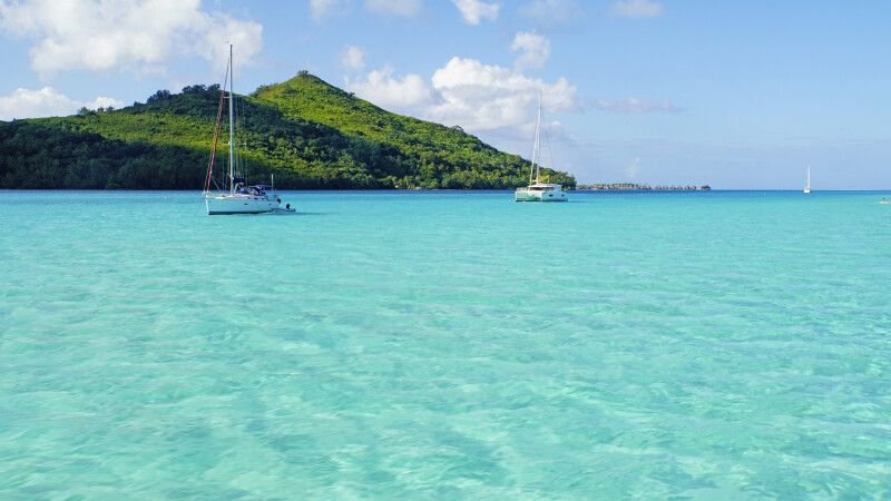 Farbenspiel in der Lagune von Bora Bora © Diamir