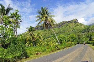 Bora Bora kann man leicht in einer Stunde per Auto umrunden.