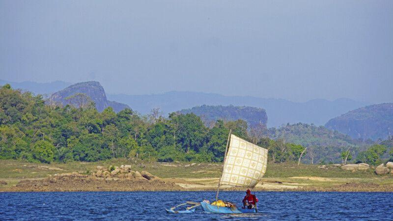 Fischer bei der Bootssafari im Gal Oya-Nationalpark © Diamir