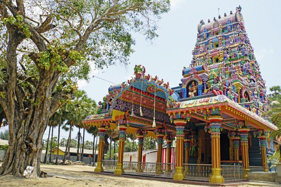 Farbenfroher Hindu-Tempel in Jaffna