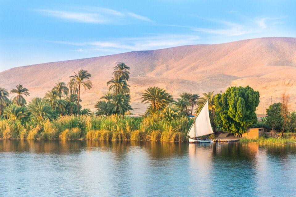Boot auf dem Nil bei Luxor