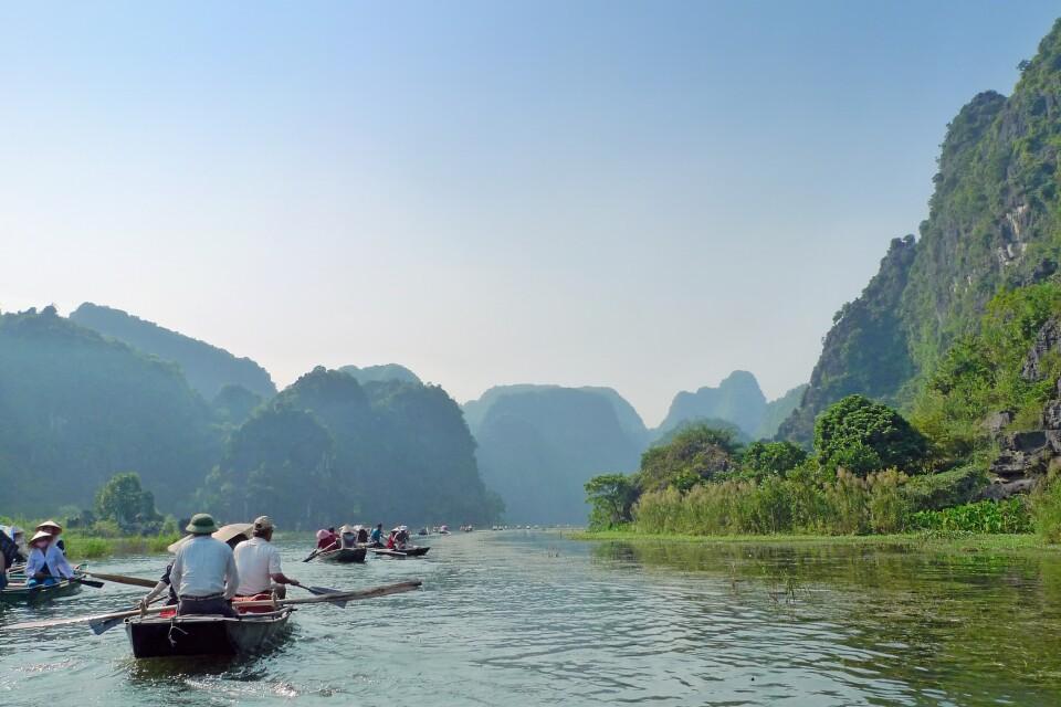 Auf einem Fluss in der Trockenen Halongbucht, Tam Coc
