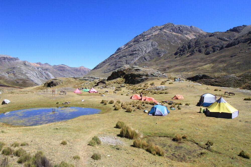Zelt-Camp in der Cordillera Huayhuash