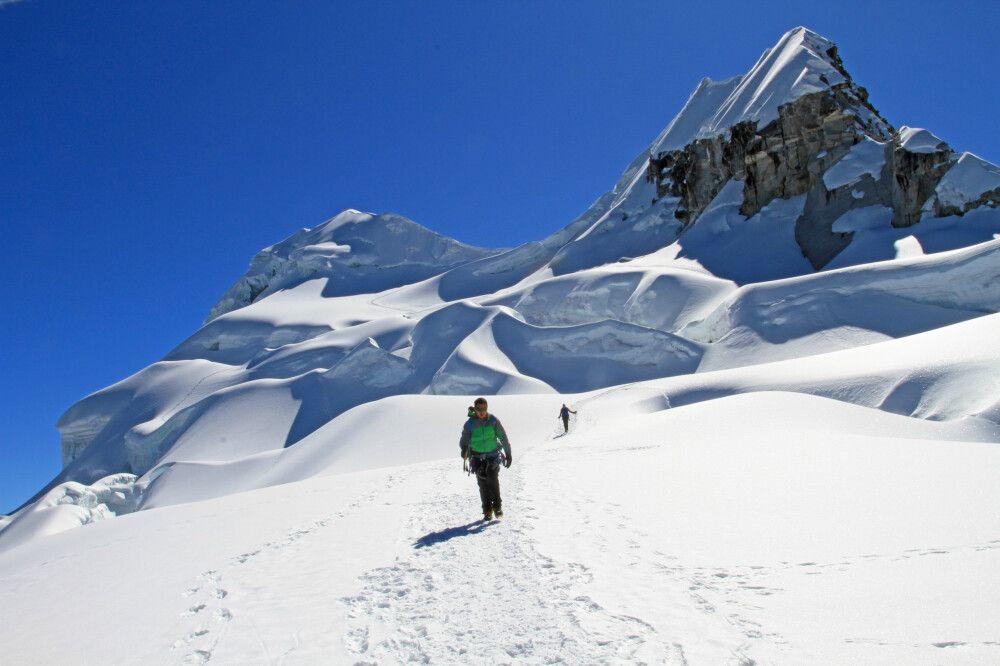 Nevado Vallunaraju (5686m), Cordillera Blanca
