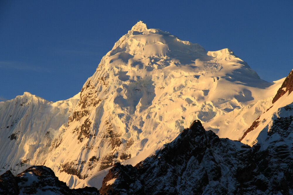 Nevado Huantsan (6395m), Cordillera Blanca