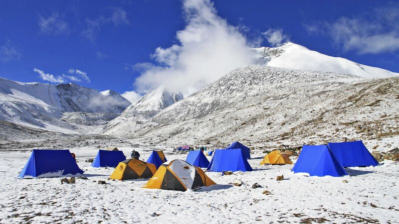 Neuschnee im Kang Yatze Basislager © Diamir