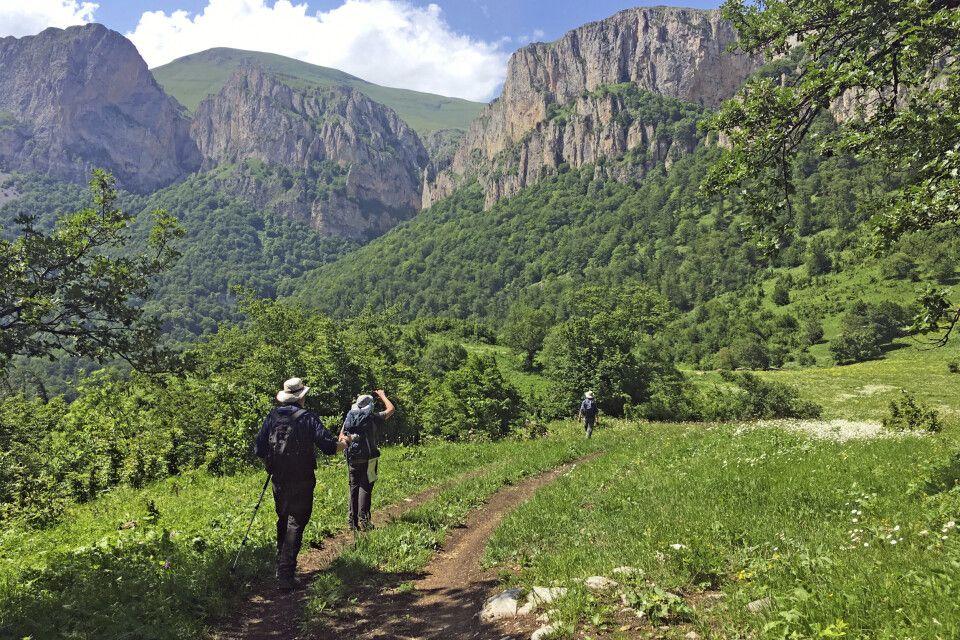 Auf einer Erkundungsreise auf dem Transcaucasian Trail