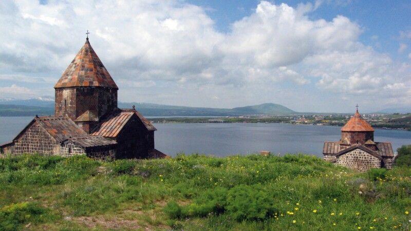 Sewan-Halbinsel mit Sewanawank-Kloster © Diamir