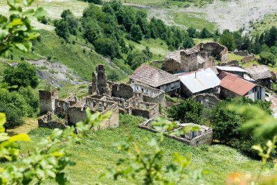 Viele wildromantische Dörfer werden durchwandert