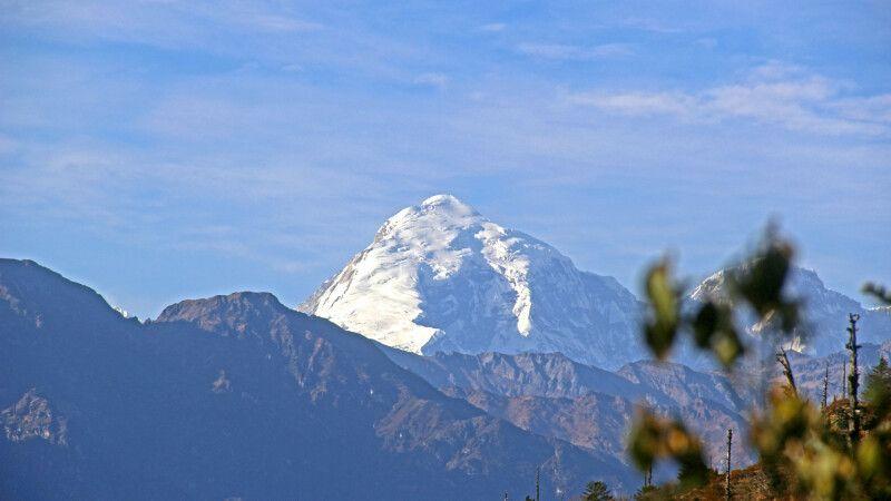 Druk-Path-Trekking mit Blick auf den Jomolhari (7320m) © Diamir