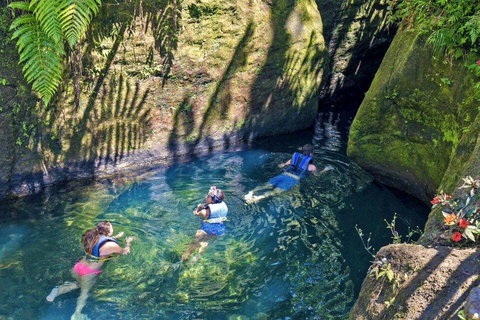 Durchs Wasser gehts zum Titou Gorge Wasserfall