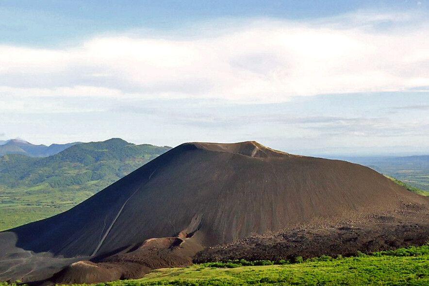 Sicht auf den Vulkan Cerro Negro