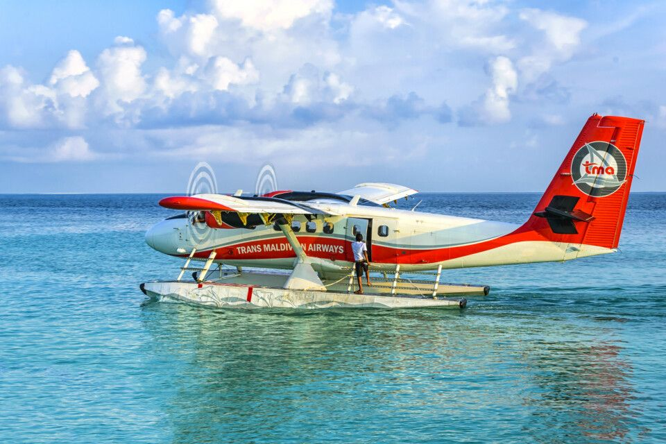 Mit dem Wasserflugzeug zum Resort