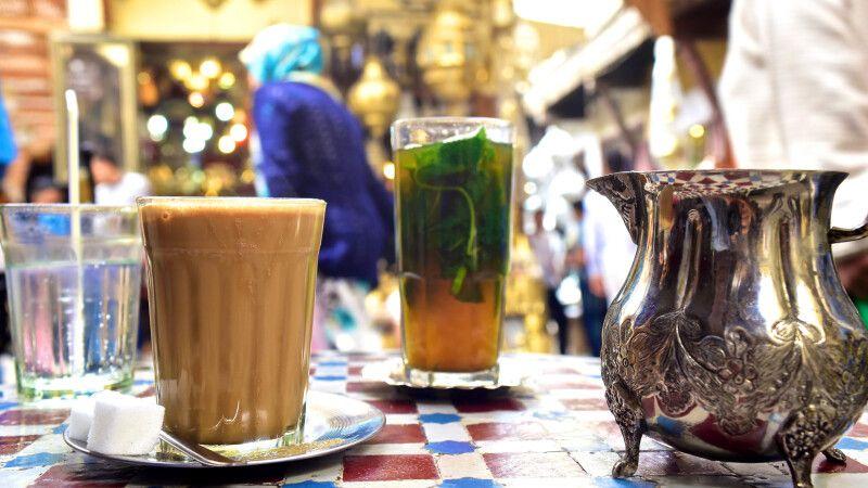 Teezeit in der Medina von Fes © Diamir