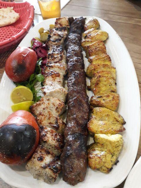 Köstliche Fleischspieße vom Grill