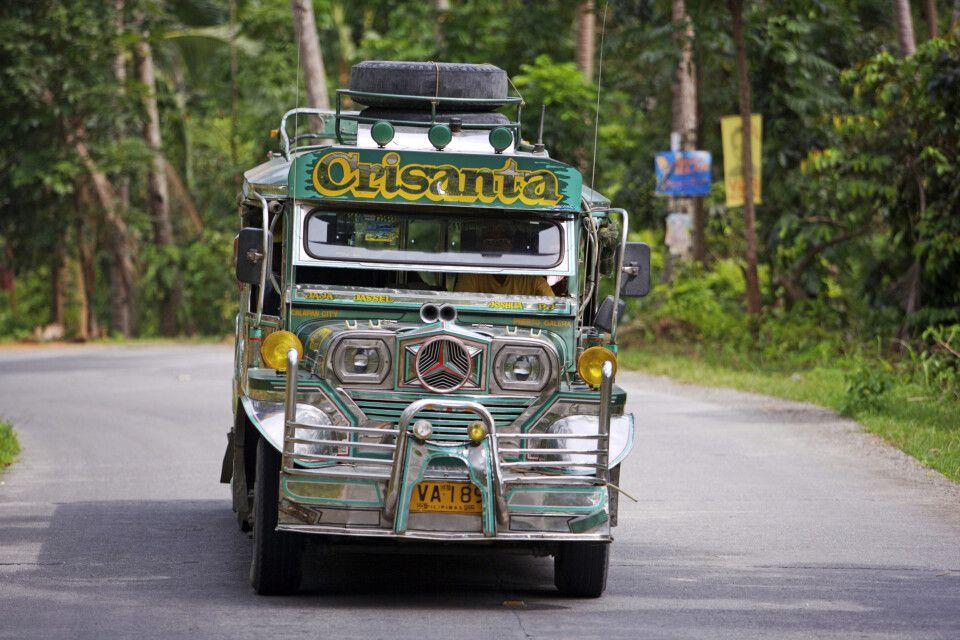 Buntbemalter Jeepney