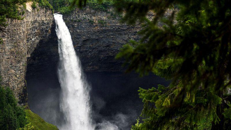 Helmcken Falls, Wells Gray Provincial Park, BC © Diamir
