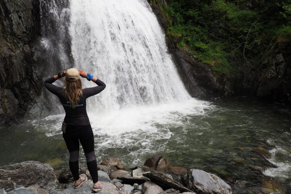 Wasserfall am Talatskoje-See