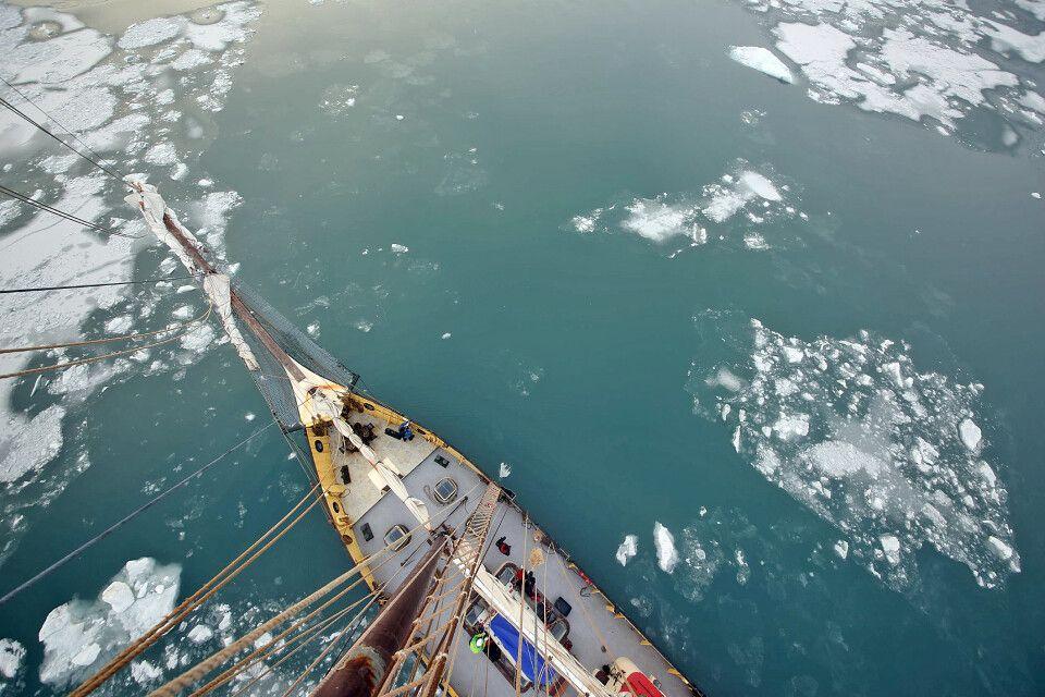 Erste Eisschollen kündigen den Winter an