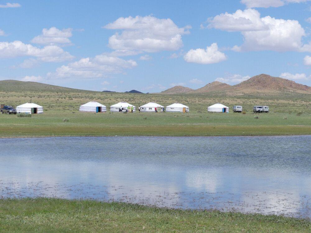 Ger Camp am Ufer des Bajan Sees