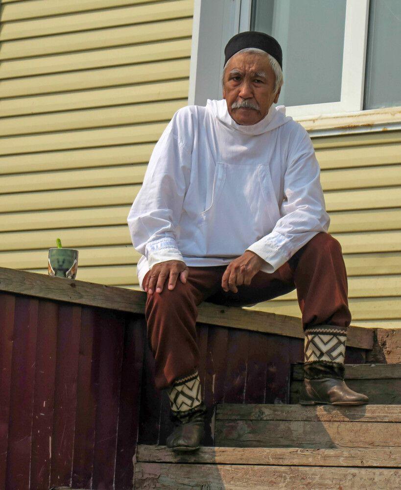 Traditionelle Inuit-Tracht der Männer