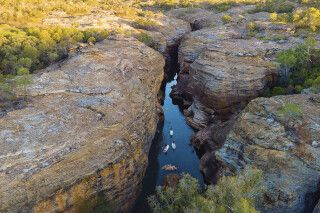 Stand-Up-Paddling im Cobbold Gorge, Outback von Queensland