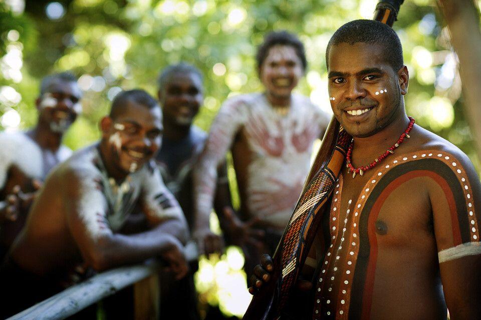 Begegnung mit Ureinwohnern im Tjapukai Aboriginal Cultural Park