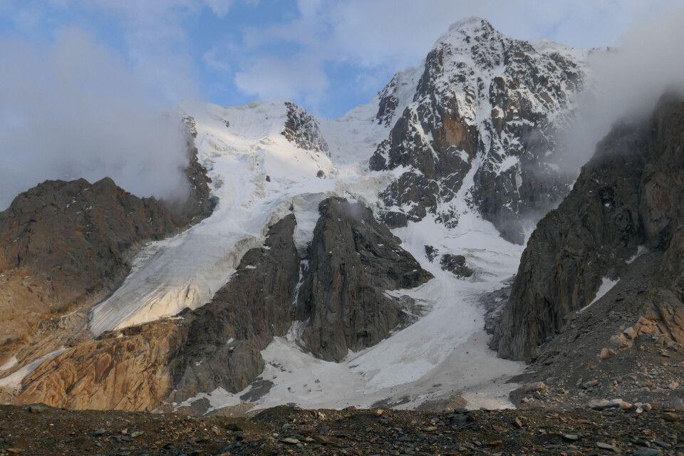 malerische Bergekulisse im Tienschan