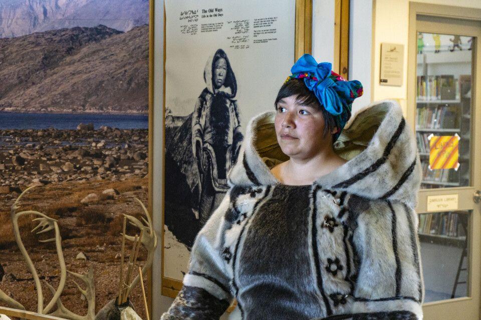 Inuit-Mädchen in Pangnirtung