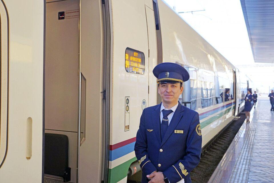 Mit dem Afrosiab-Schnellzug durch Usbekistan