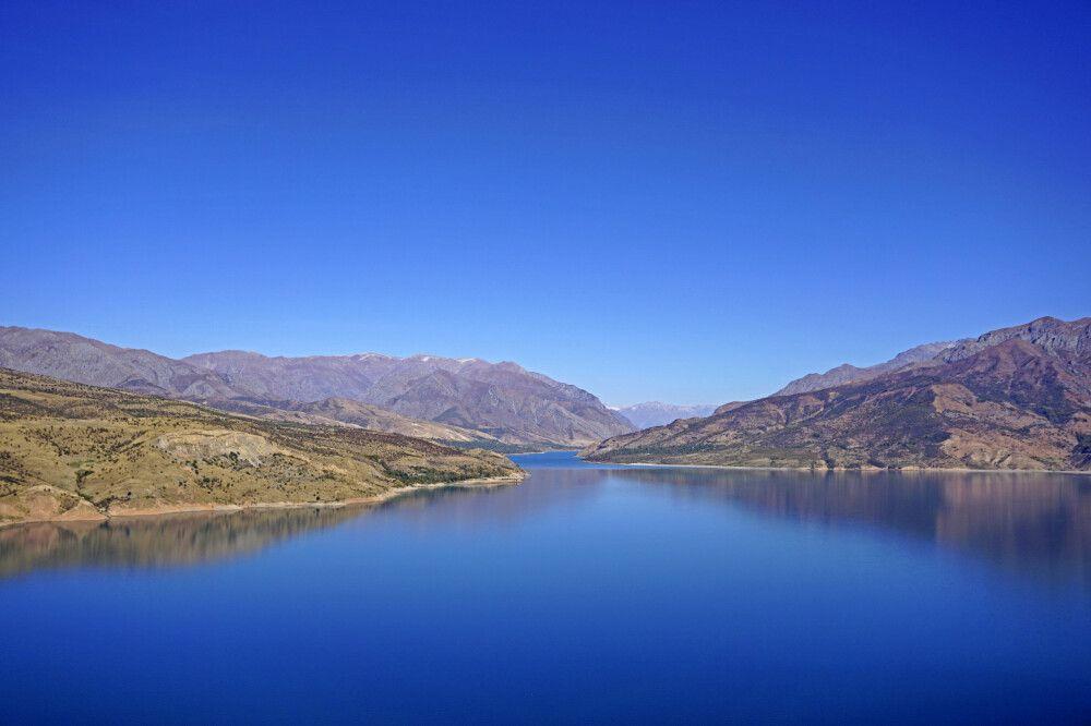 See in den Chimgan-Bergen im Norden Usbekistans