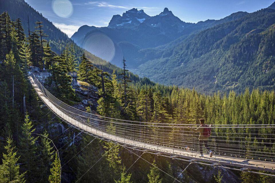 Hängebrücke nahe der Sea to Sky Gondola bei Whistler