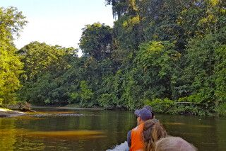 Bootsfahrt im Mulu-Nationalpark