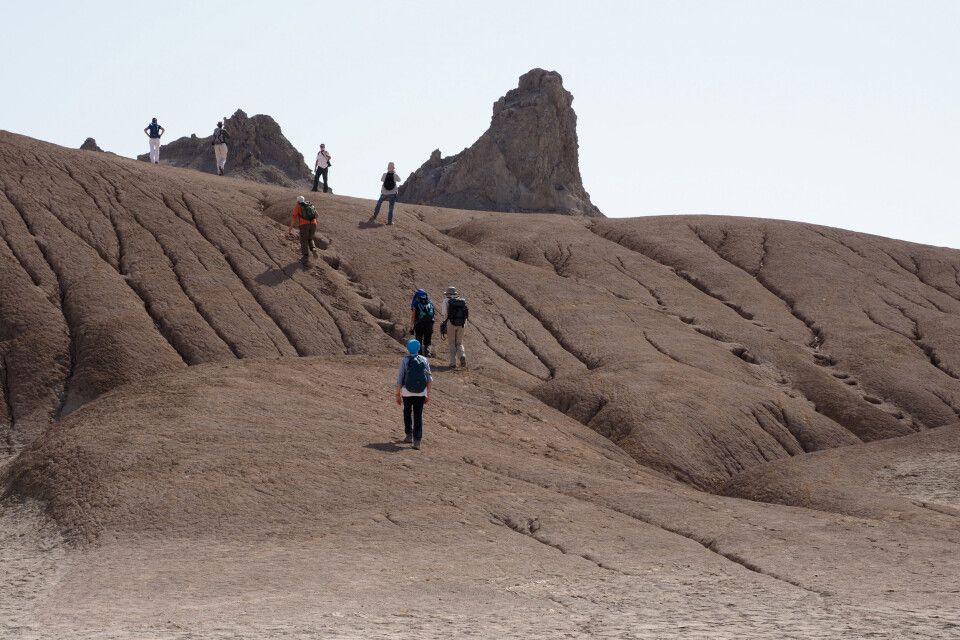 Am Schlammvulkan Boyadag fühlt man sich wie auf einer Mars-Erkundung!