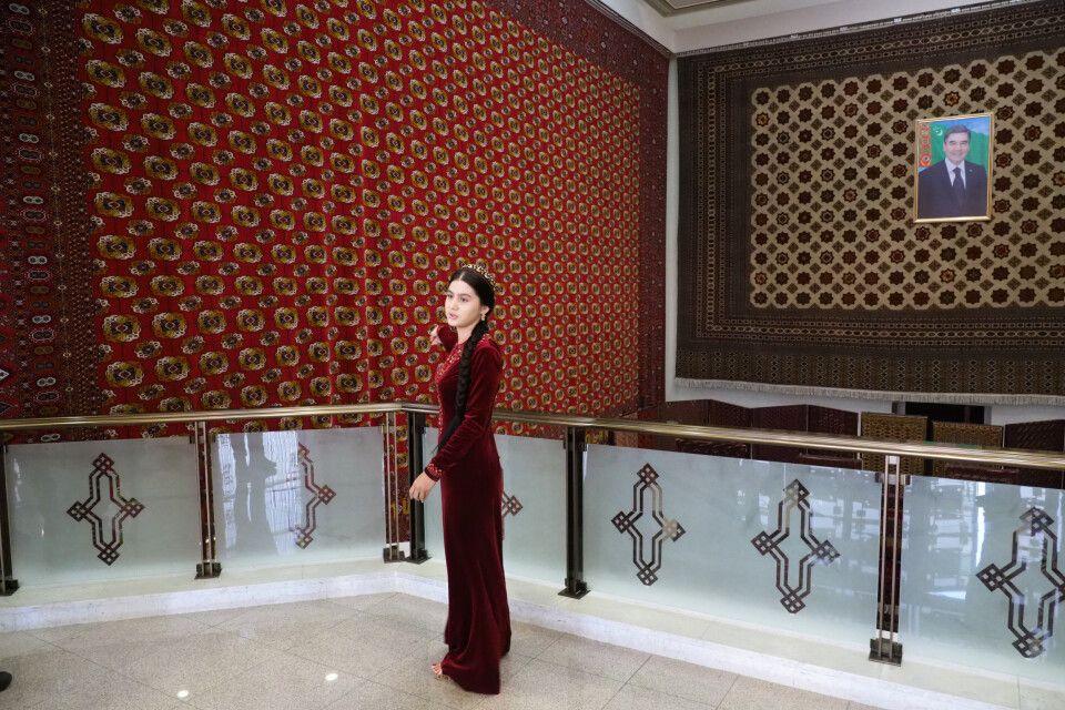 Im Teppichmuseum von Ashgabat
