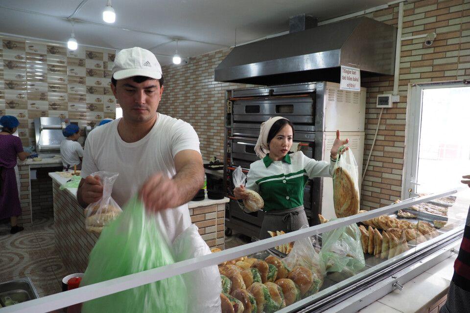 Auf dem Markt in Turkmenbashi
