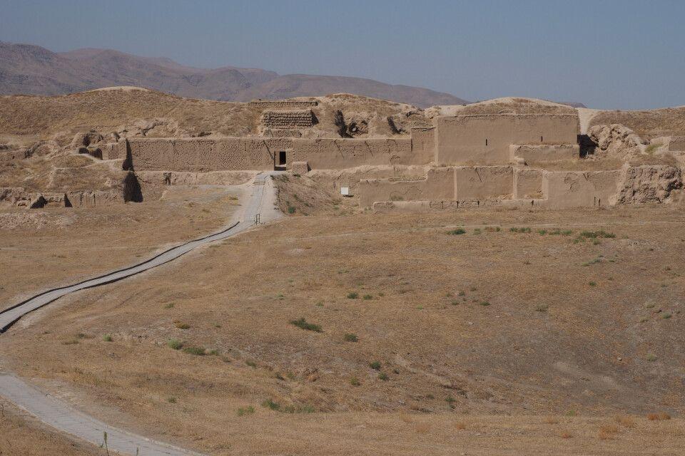 Nisa - die teils wiedererichteten Reste einer über 2000 Jahre alten Residenz aus der Partherzeit