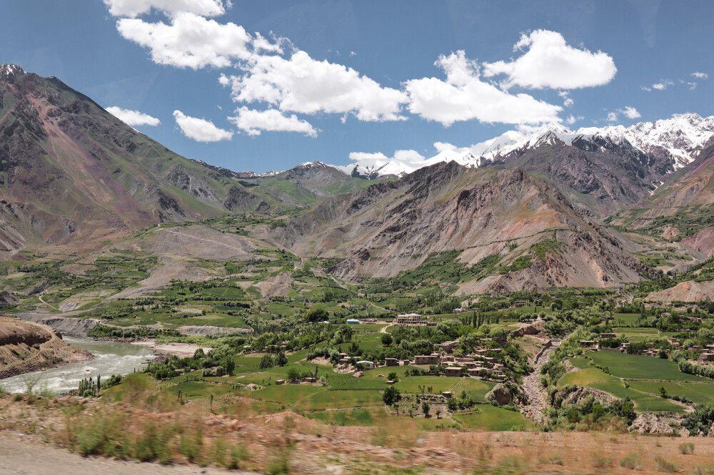 Unterwegs im Pamir mit Blick Richtung Afghanistan
