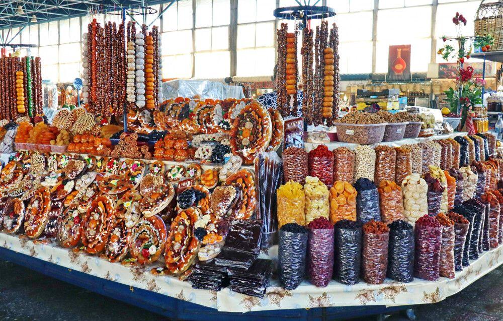 """Abteilung """"Trockenfrüchte"""" auf dem Jerewaner Basar"""