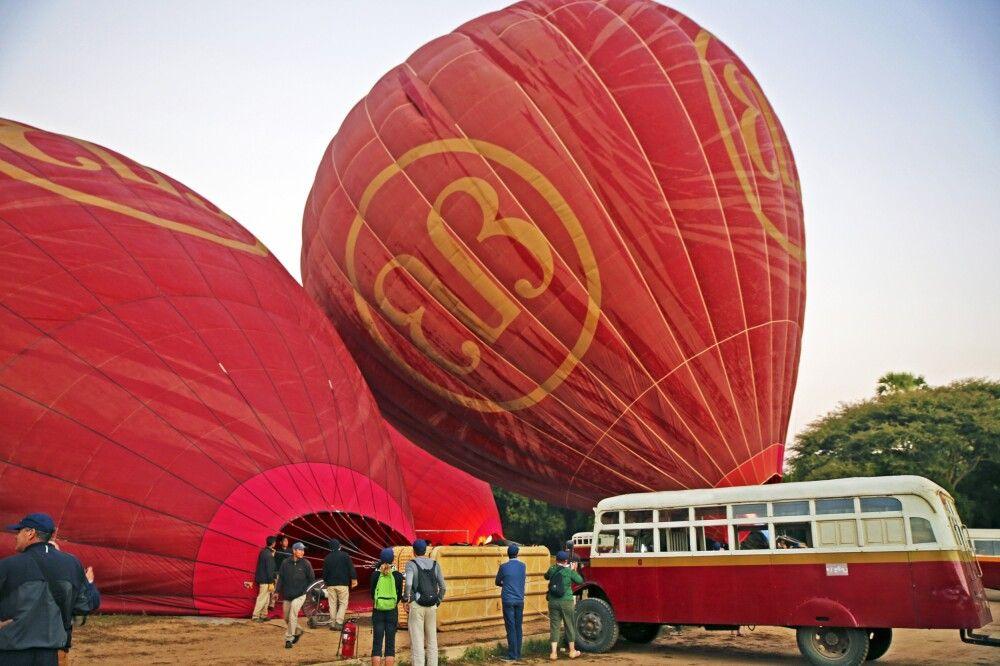 Ballonfahrt über das Pagodenfeld von Bagan