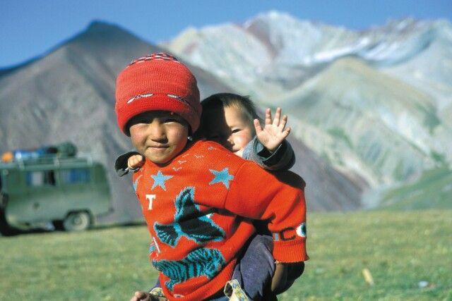 Kinder im Pik Lenin Basislager