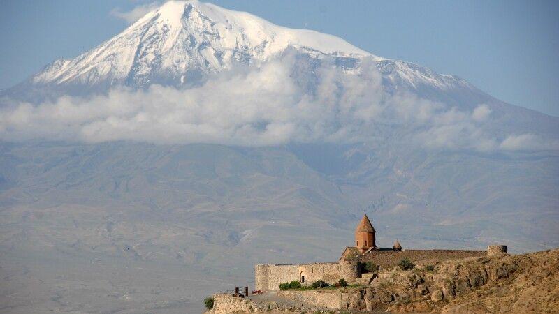 Kloster Chor Virap mit Ararat © Diamir