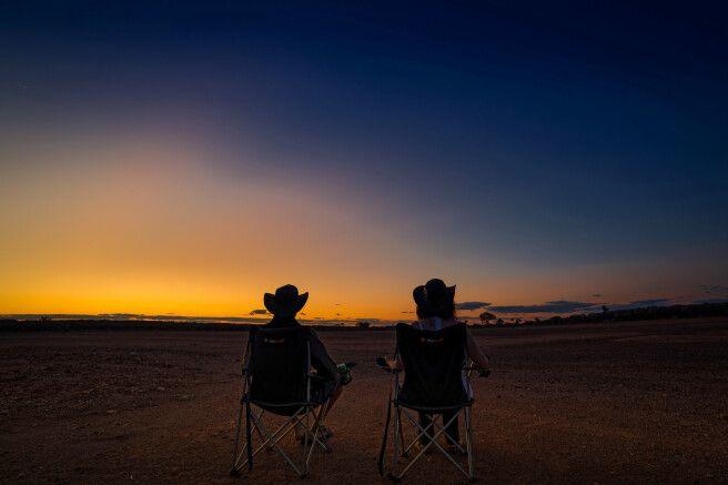 Malerischer Sonnenuntergang im Outback