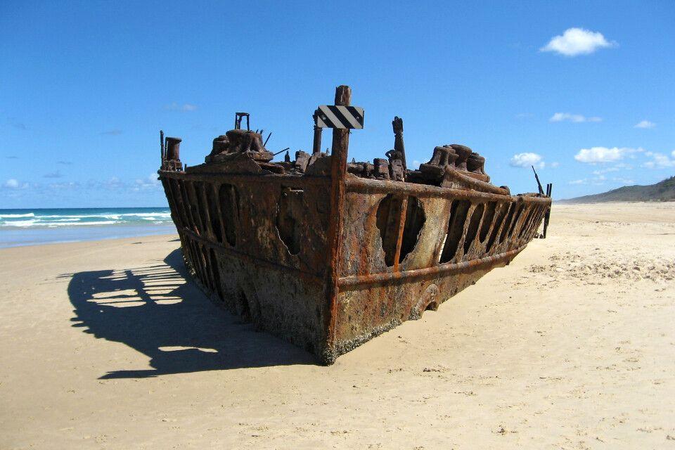 Wrack des Luxusliners Maheno, der 1935 auf Fraser Island auf Grund lief