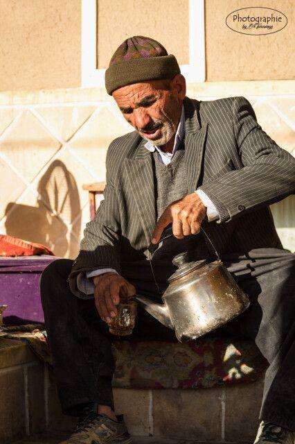 Zeit fuer einen Chai - alter Mann in Na'in